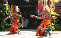 Enjoy the beautiful Balinese dances.
